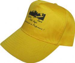 Gorra amarilla de algodon, comoda y durable, con estampados en color negro y texto muy legible de alta calidad.